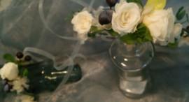 プリザーブドフラワーとアーティフィシャルフラワーで制作したナチュラルな花冠