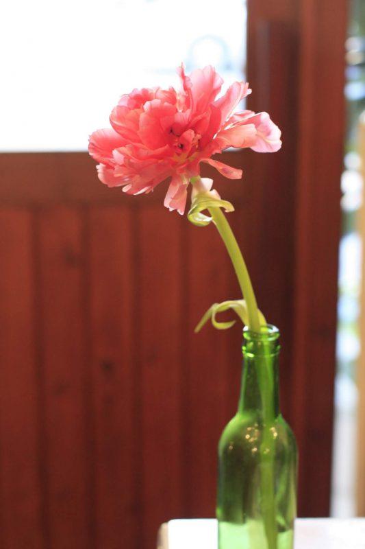 1輪の花を飾ろう  福岡市 花屋 ボヌール;