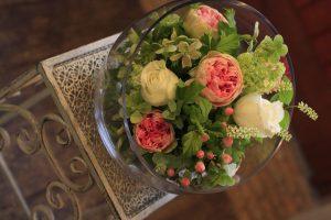 開店祝い ガラスの器で上品に 福岡市城南区 花屋ボヌール;